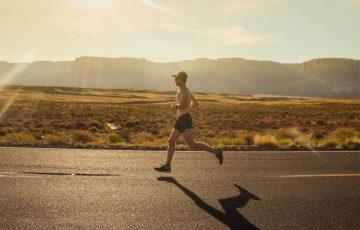 写真:短独でのジョギングイメージ
